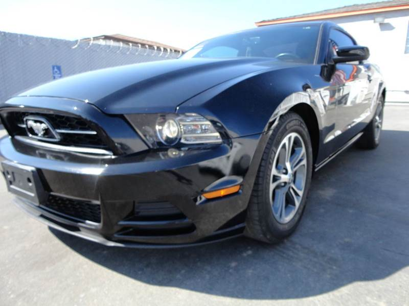 2014 Ford Mustang V6 Premium 2dr Coupe - Spring Valley CA