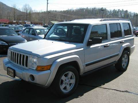 2006 Jeep Commander for sale at Driven Pre-Owned in Lenoir NC