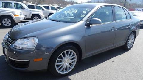 2009 Volkswagen Jetta for sale at Driven Pre-Owned in Lenoir NC