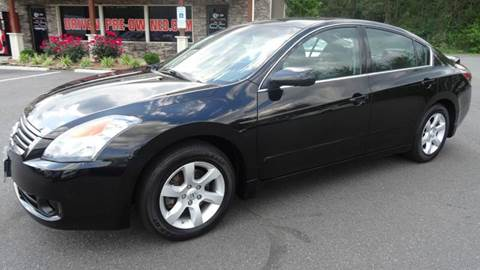 2009 Nissan Altima for sale at Driven Pre-Owned in Lenoir NC