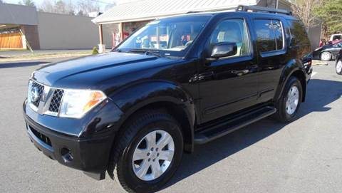 2005 Nissan Pathfinder for sale at Driven Pre-Owned in Lenoir NC