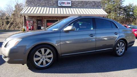 2005 Toyota Avalon for sale at Driven Pre-Owned in Lenoir NC