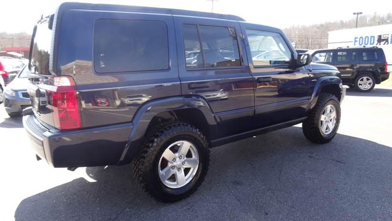 2006 Jeep Commander Base 4dr Suv 4wd In Lenoir Nc Driven Pre Owned
