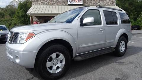 2006 Nissan Pathfinder for sale at Driven Pre-Owned in Lenoir NC