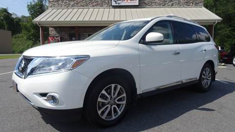 2013 Nissan Pathfinder for sale at Driven Pre-Owned in Lenoir NC