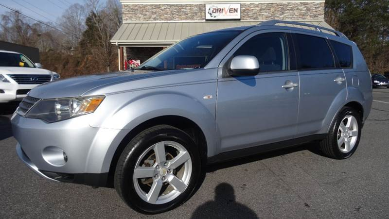 2007 Mitsubishi Outlander for sale at Driven Pre-Owned in Lenoir NC