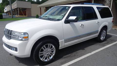 2010 Lincoln Navigator L for sale at Driven Pre-Owned in Lenoir NC