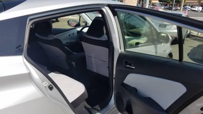 2019 Toyota Prius LE 4dr Hatchback - Hawthorne CA