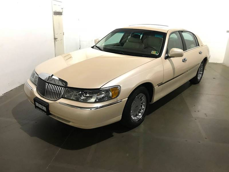 1998 Lincoln Town Car Cartier 4dr Sedan In Chantilly Va Euro Auto