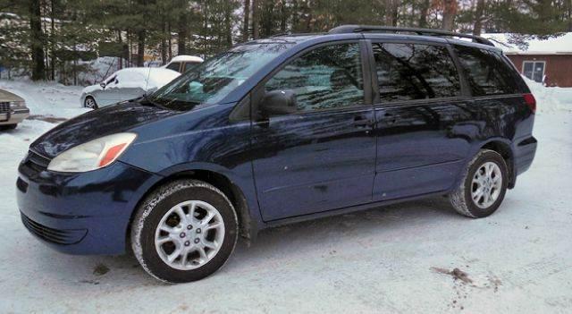 2004 Toyota Sienna LE 7 Passenger AWD 4dr Minivan   Traverse City MI