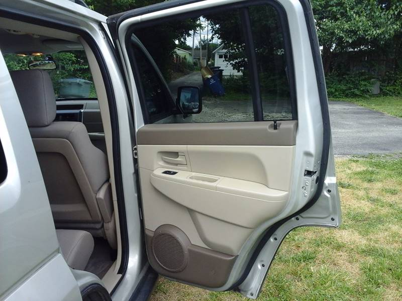 2008 Jeep Liberty for sale at CLINTONVILLE CAR SALES in Columbus OH