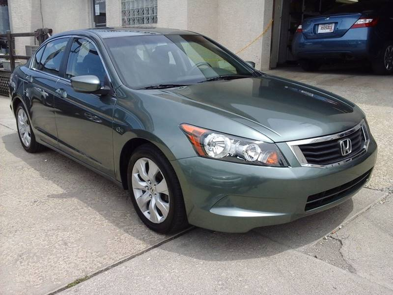 2009 Honda Accord for sale at CLINTONVILLE CAR SALES in Columbus OH