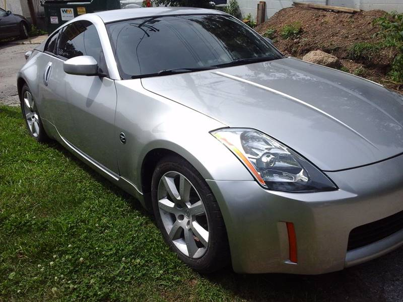 2004 Nissan 350Z for sale at CLINTONVILLE CAR SALES in Columbus OH