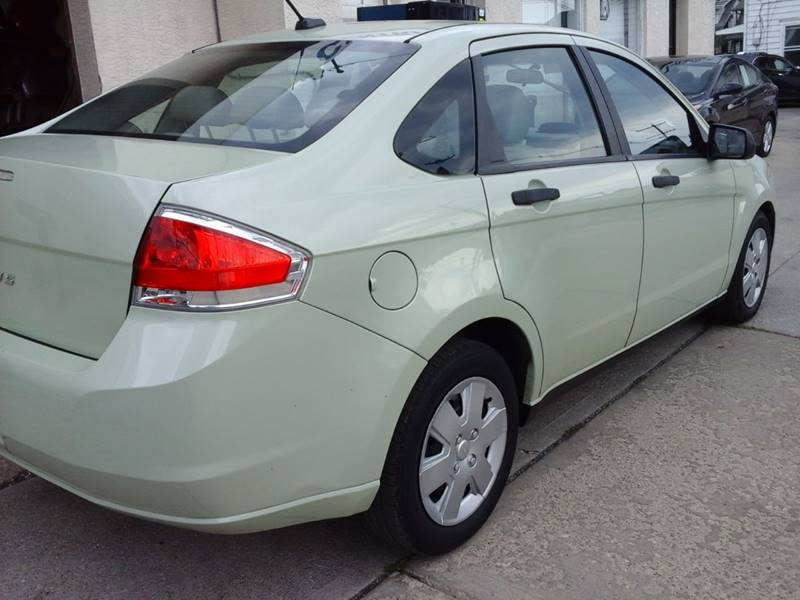 2011 Ford Focus for sale at CLINTONVILLE CAR SALES in Columbus OH
