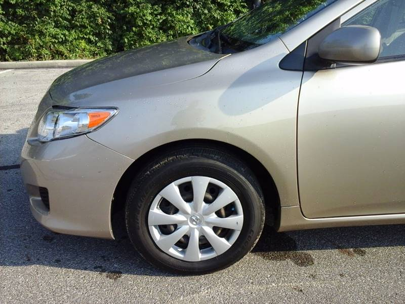 2009 Toyota Corolla for sale at CLINTONVILLE CAR SALES in Columbus OH