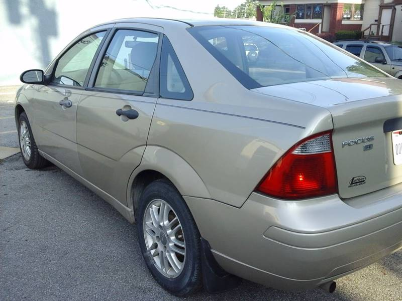 2007 Ford Focus for sale at CLINTONVILLE CAR SALES in Columbus OH