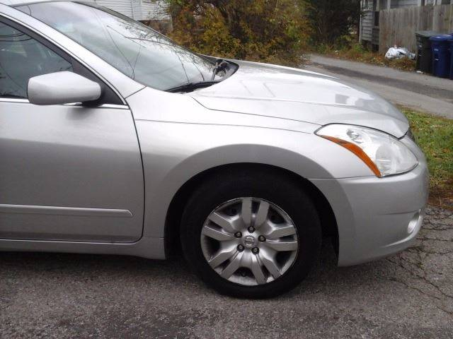 2010 Nissan Altima for sale at CLINTONVILLE CAR SALES in Columbus OH