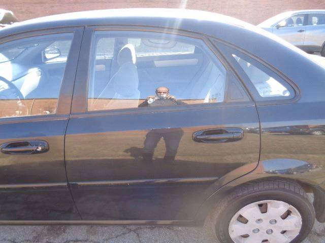 2006 Suzuki Forenza for sale at CLINTONVILLE CAR SALES in Columbus OH