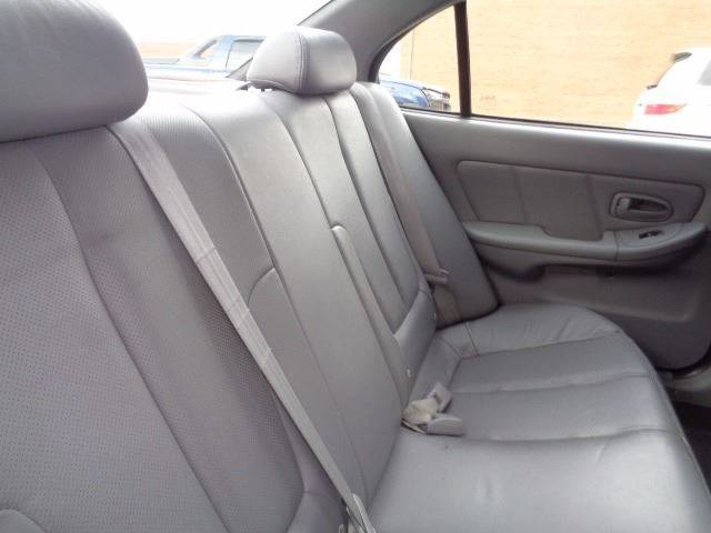2004 Hyundai Elantra for sale at CLINTONVILLE CAR SALES in Columbus OH