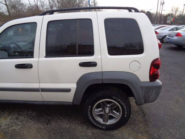 2005 Jeep Liberty for sale at CLINTONVILLE CAR SALES in Columbus OH
