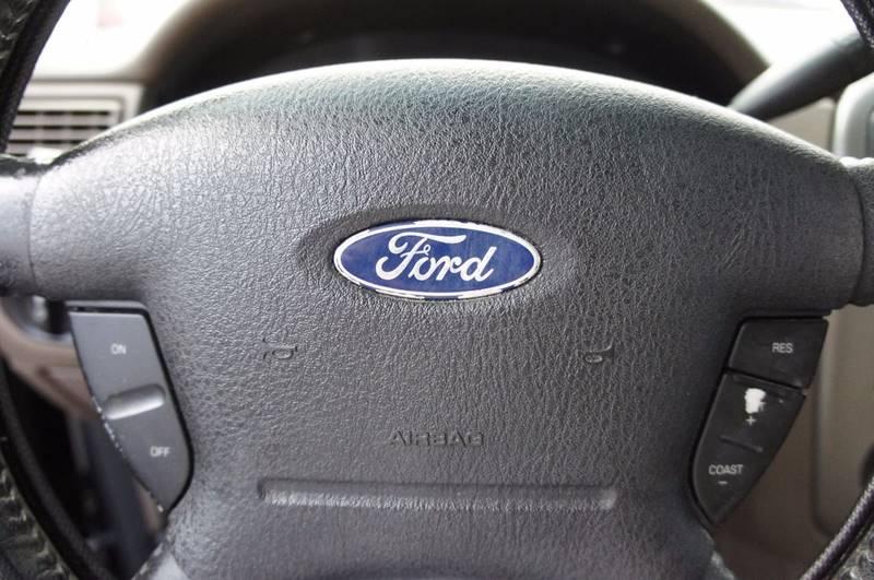 2004 Ford Explorer XLT 4dr SUV - Miami FL