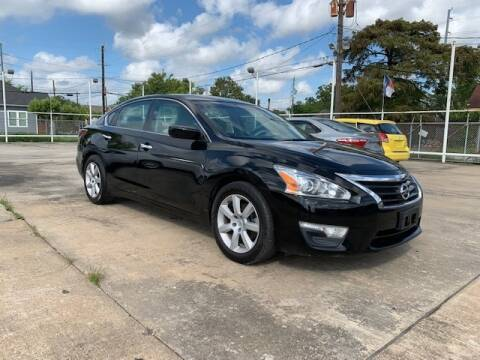 2015 Nissan Altima for sale at Sam's Auto Sales in Houston TX