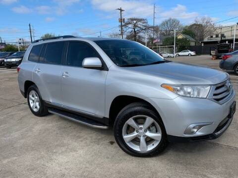 2013 Toyota Highlander for sale at Sam's Auto Sales in Houston TX