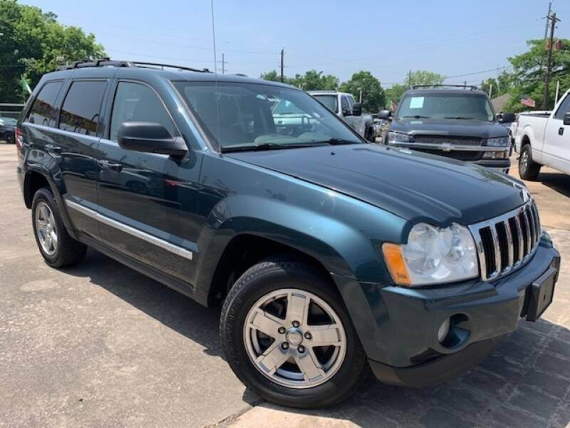 2005 Jeep Grand Cherokee for sale at Sam's Auto Sales in Houston TX