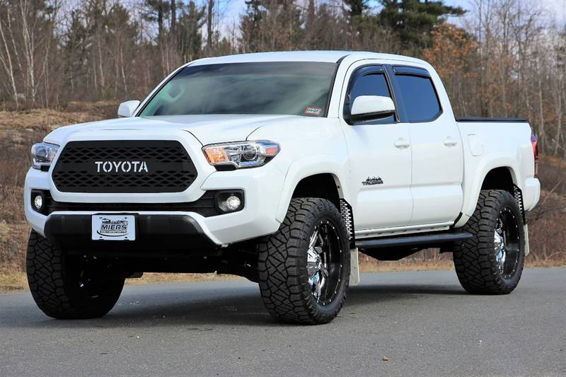 2017 Toyota Tacoma 4x4 SR5 V6 4dr Double Cab 5 0 ft SB In