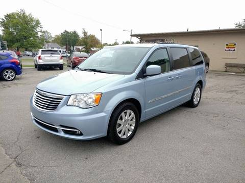 2013 Chrysler Town and Country for sale in Berne, IN