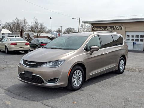 2018 Chrysler Pacifica for sale in Berne, IN
