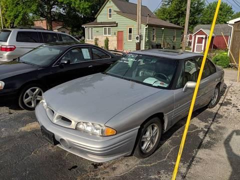 1998 Pontiac Bonneville for sale in Berne, IN