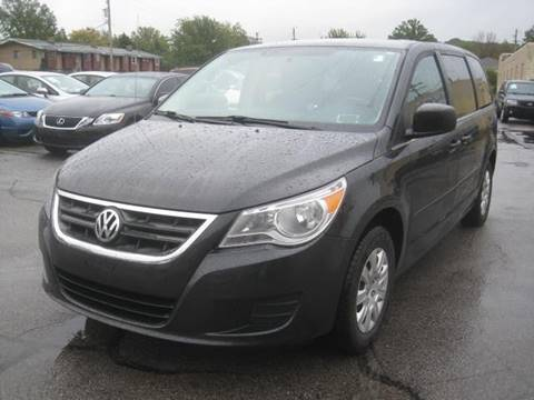 2011 Volkswagen Routan for sale in Euclid, OH