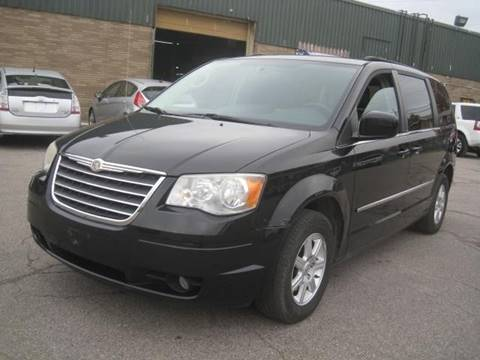 2010 Chrysler Town and Country for sale in Euclid, OH