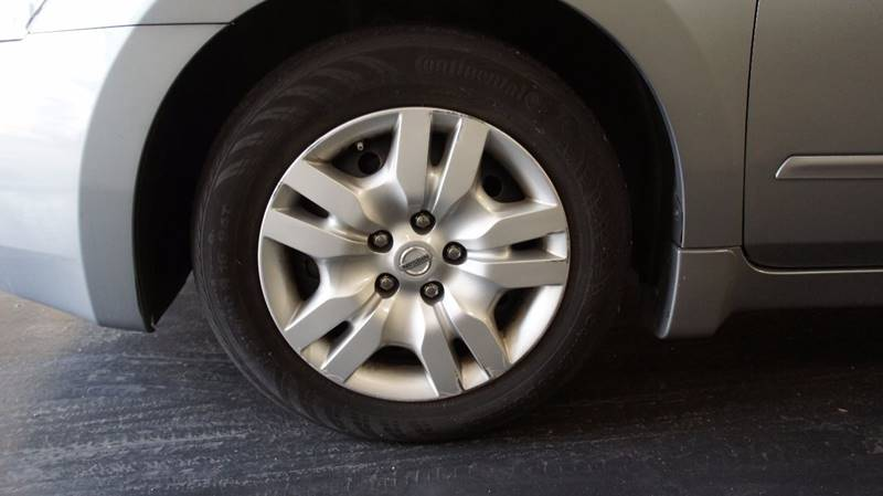 2009 Nissan Altima for sale at United Automotive Network in Los Angeles CA