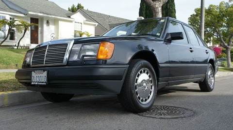 1988 Mercedes-Benz 300-Class for sale at United Automotive Network in Inglewood CA