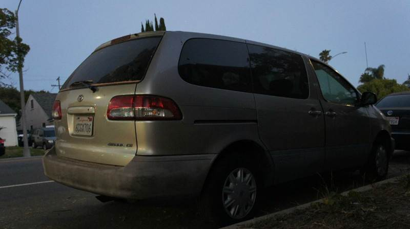 2001 Toyota Sienna for sale at United Automotive Network in Inglewood CA