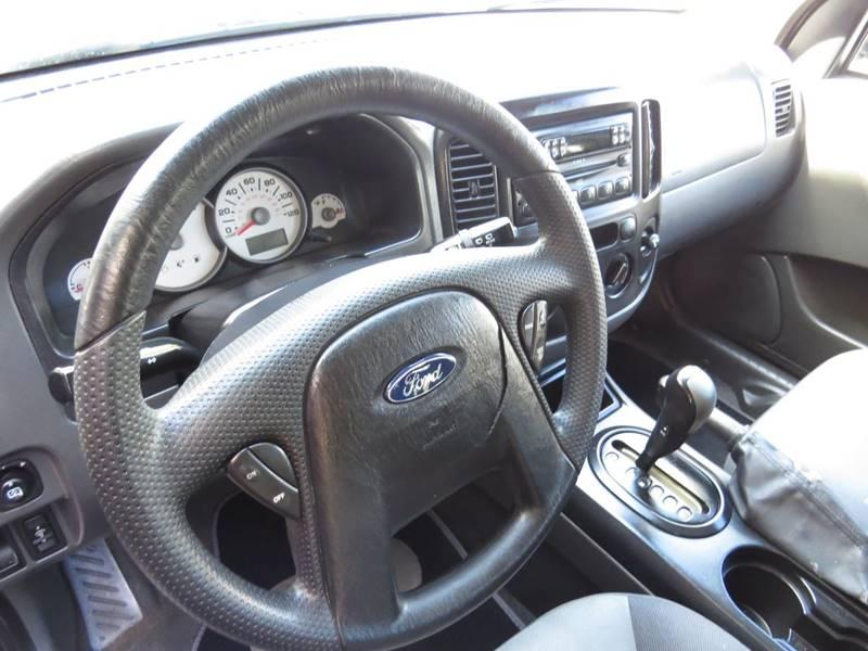 2005 Ford Escape XLS 4dr SUV - Boynton Beach FL