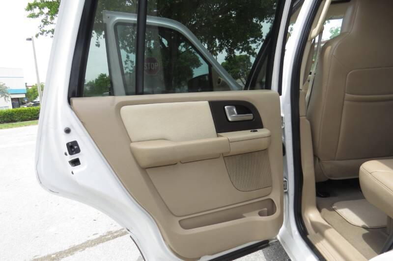 2004 Ford Expedition Eddie Bauer 4dr SUV - Boynton Beach FL