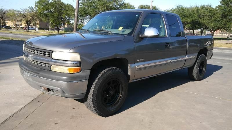 2000 Chevrolet Silverado 1500 for sale at Affordable Auto Spot in Houston TX