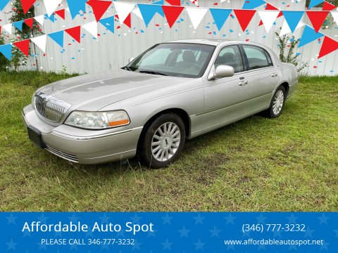 2005 Lincoln Town Car for sale at Affordable Auto Spot in Houston TX