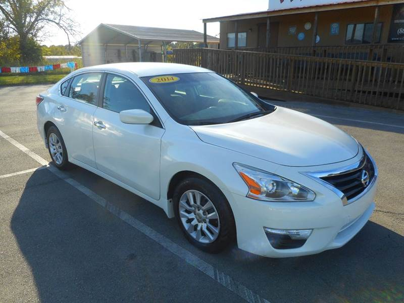 2014 Nissan Altima for sale at Willow Creek Auto Sales in Knoxville TN