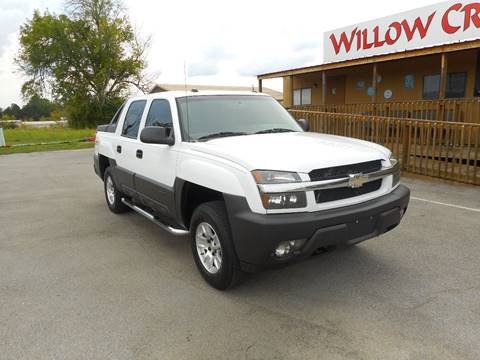 2005 Chevrolet Avalanche for sale at Willow Creek Auto Sales in Knoxville TN