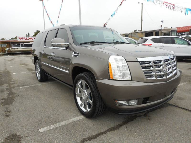 2011 Cadillac Escalade ESV for sale at Willow Creek Auto Sales in Knoxville TN