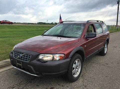 2002 Volvo XC for sale at LUXURY IMPORTS AUTO SALES INC in North Branch MN
