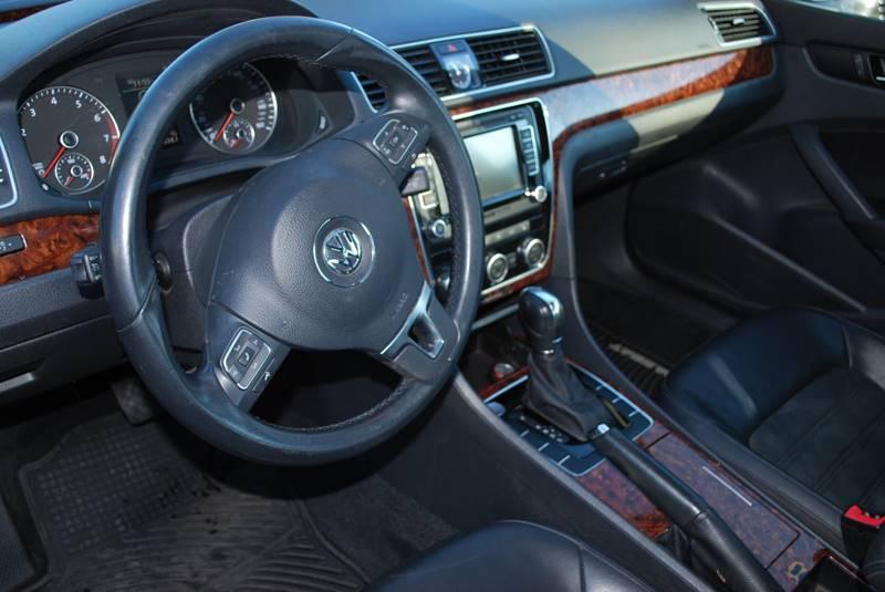 2012 Volkswagen Passat SEL PZEV 4dr Sedan 6A w/ Premium Package - Kirkland WA