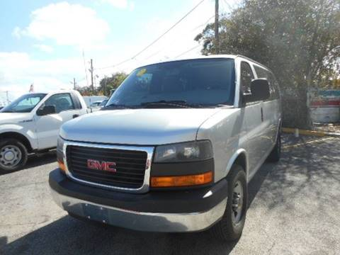 2014 GMC Savana Passenger for sale in Miami, FL