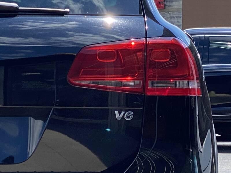 2012 Volkswagen Touareg VR6 FSI - Indianapolis IN