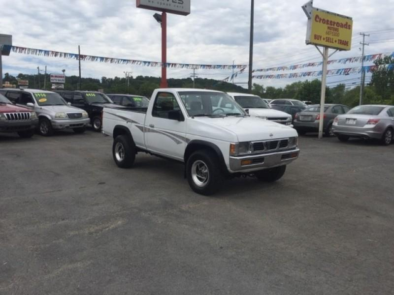 1996 Nissan Truck 2dr XE 4WD Standard Cab SB - Knoxville TN