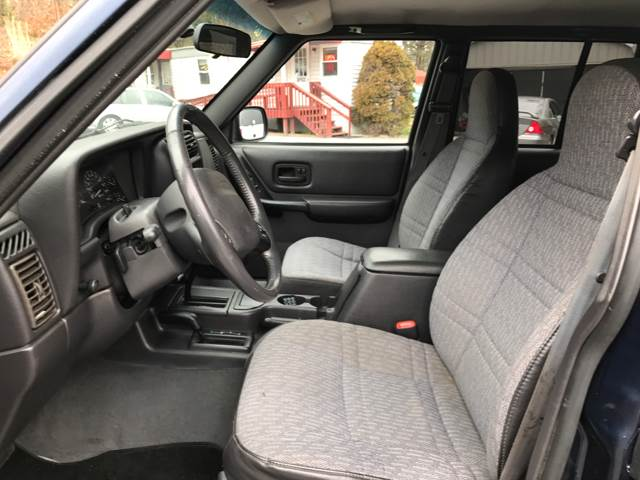2000 Jeep Cherokee 4dr Sport 4WD SUV - Ashville NC